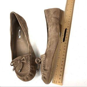 BCBGeneration flat brown shoes 6M (#37)